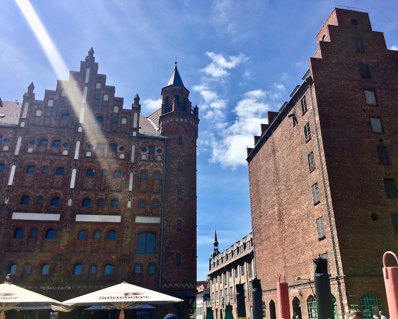 Stralsund Alte Speichergebäude am Hafen