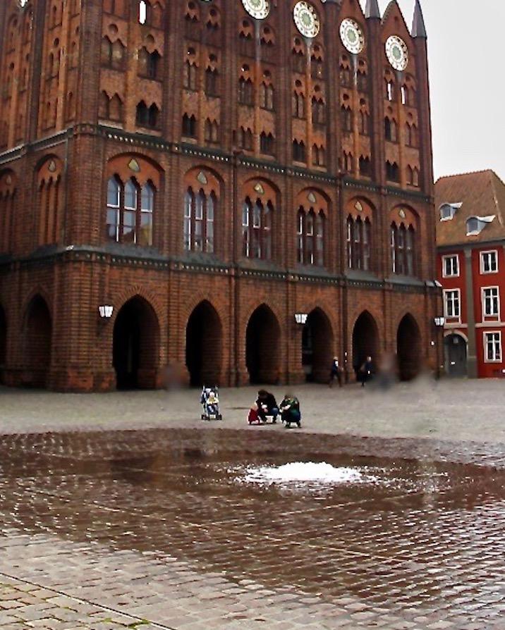 Stralsund Alter Markt Brunnen Wasserspiel