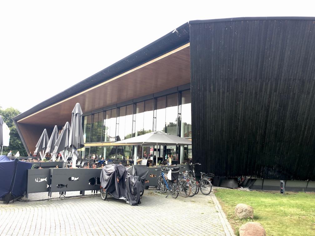 Waren an der Müritz Mecklenburg-Vorpommern Museum-Müritzeum Außenwand Shou-Sugi-Ban Holz