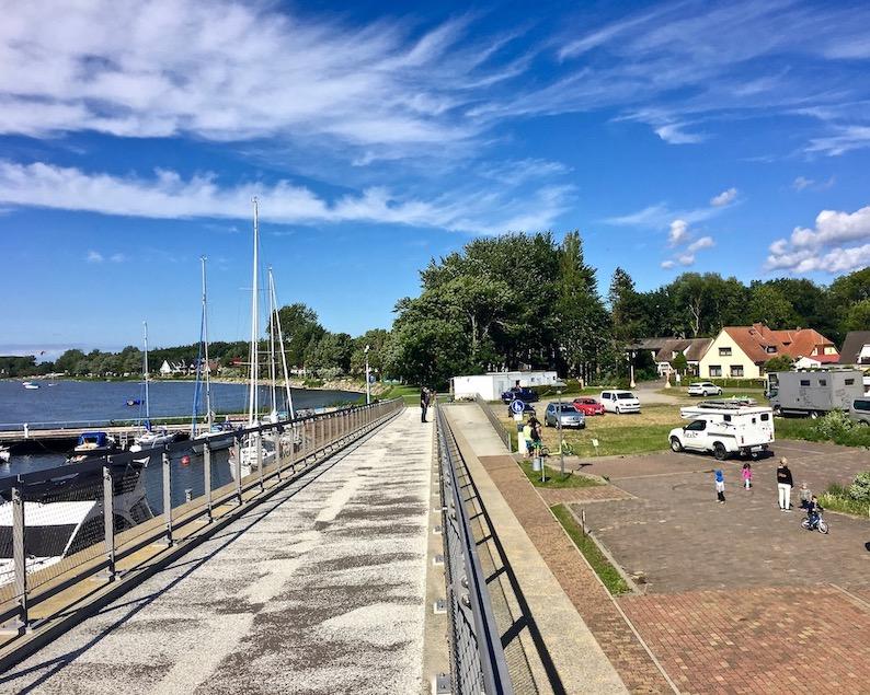 Wiek auf Rügen Wohnmobilstellplatz am Hafen mit mole-on-tour