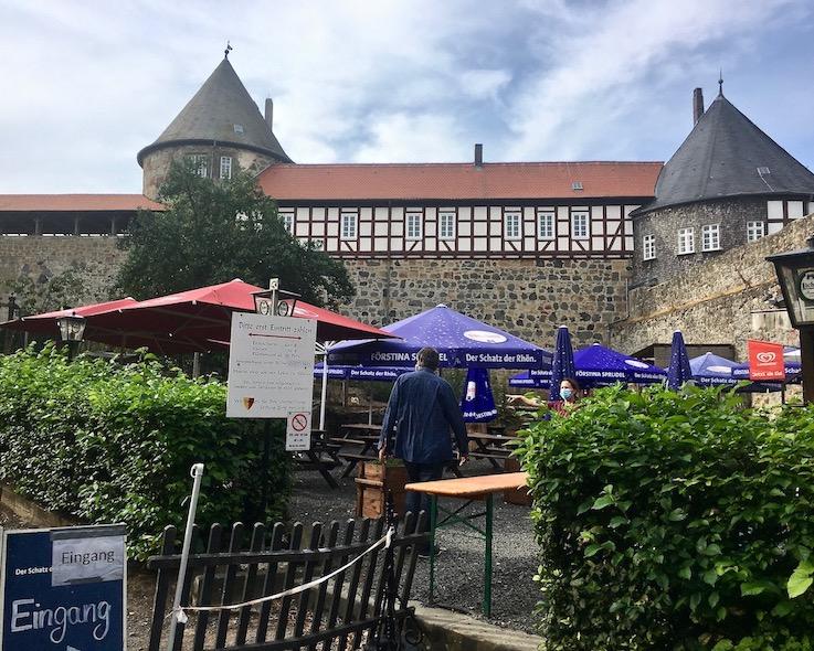 Burg Herzberg Burgvorhof mit Burgschänke Burg Herzberg Hessen