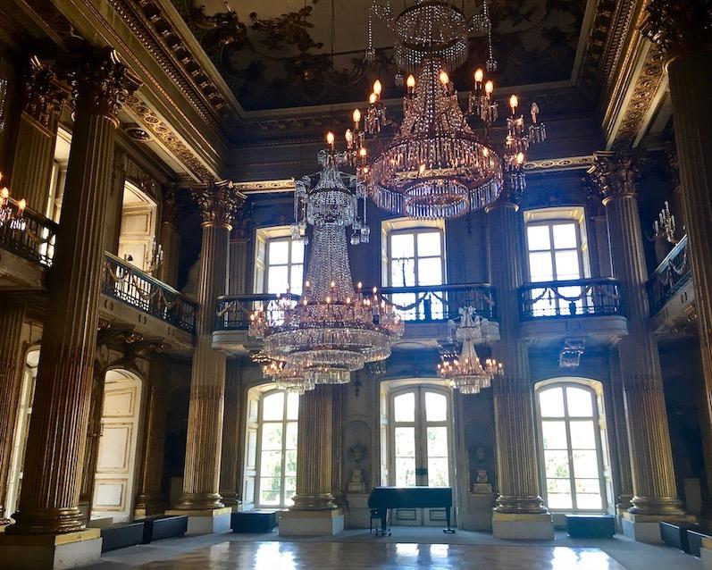 Kristalllüster im Goldenen Saal Schloss Ludwigslust Mecklenburg-Vorpommern
