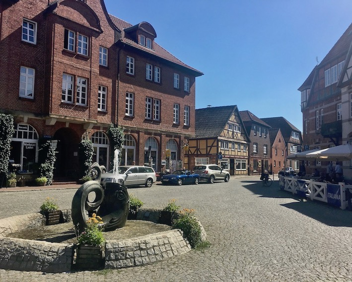 Marktplatzbrunnen De-Grode-Butt in Hitzacker an der Elbe