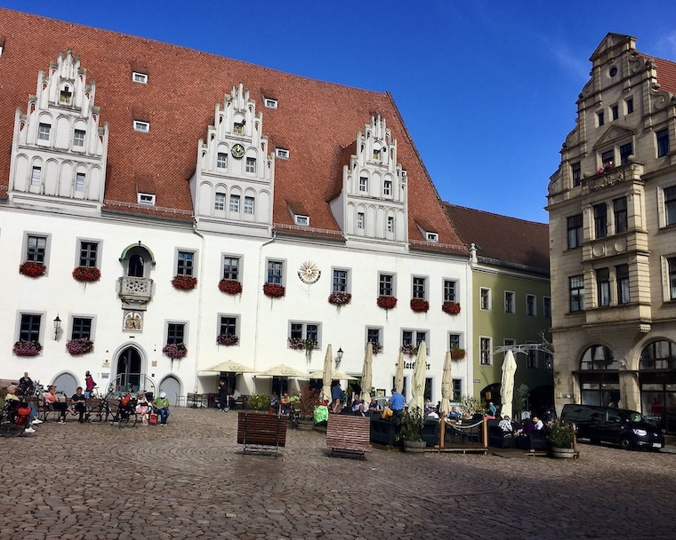 Meißen Sehenswürdigkeiten Altstadt Elbe Sachsen Meißen Sachsen Marktplatz Rathaus mit Ratskeller