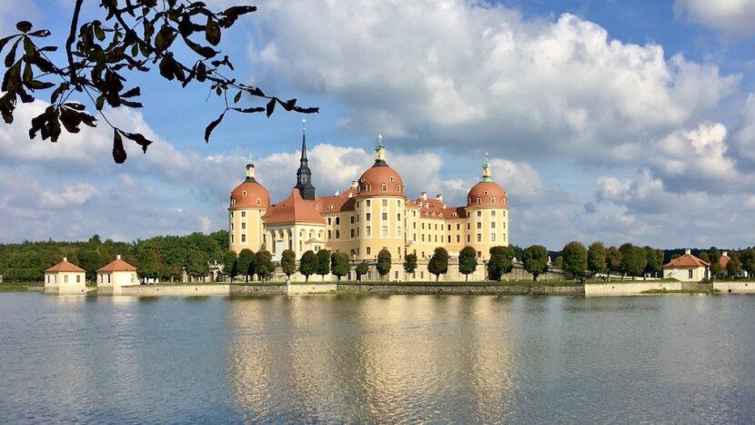 Schloss-Moritzburg Sehenswürdigkeiten Barockschloss Schloss Moritzburg in Sachsen