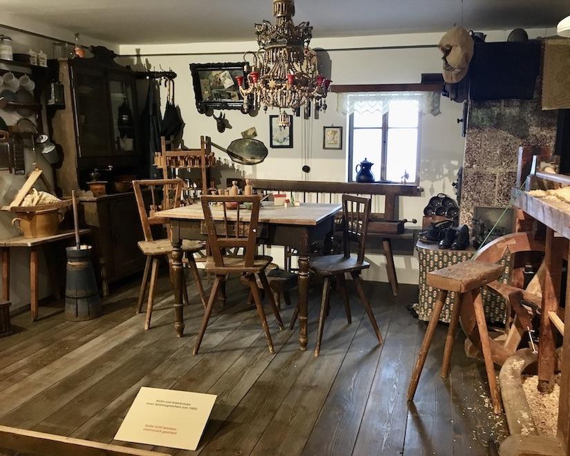 Erzgebirgisches-Spielzeugmuseum Kurort Seiffen:Erzgeb Arbeitsstube von Spielzeugmacher