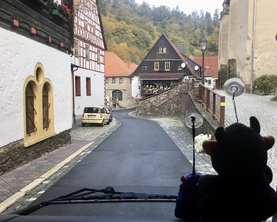 Ortsdurchfahrt Ziegenrück an der Saaleschleife Thüringen