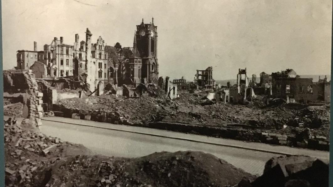 Plauen Vogtland Bild-der-im-Krieg-zerstörten-Stadt
