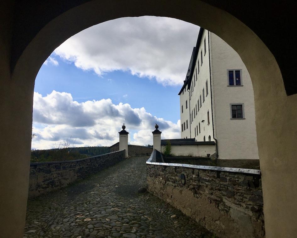 Schloss Burgk Thüringen Saale-Orla-Kreis Durch das Torhaus