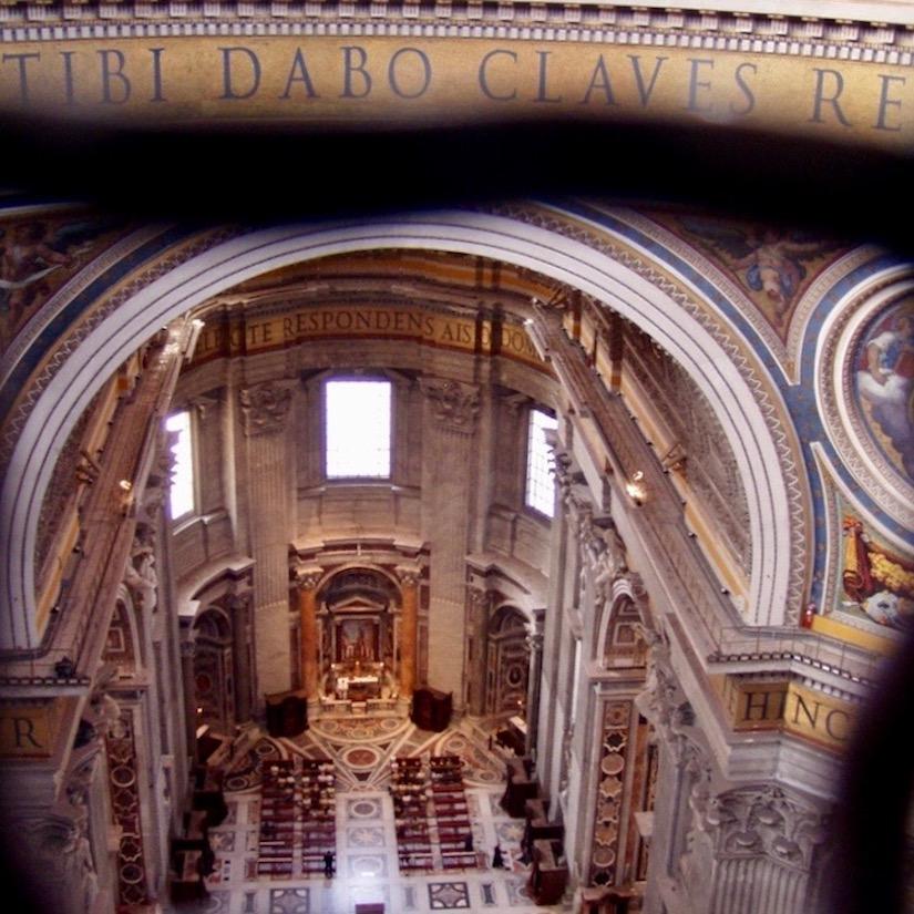 Rom Petersdom Basilika Sankt Peter Kuppel innen Vatikan Rom Vatikanstadt Italien