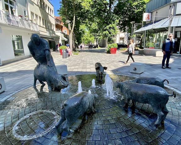 Bad Oeynhausen Colon-Sültemeyer-Brunnen Wasserspiele in Bad Oeynhausen