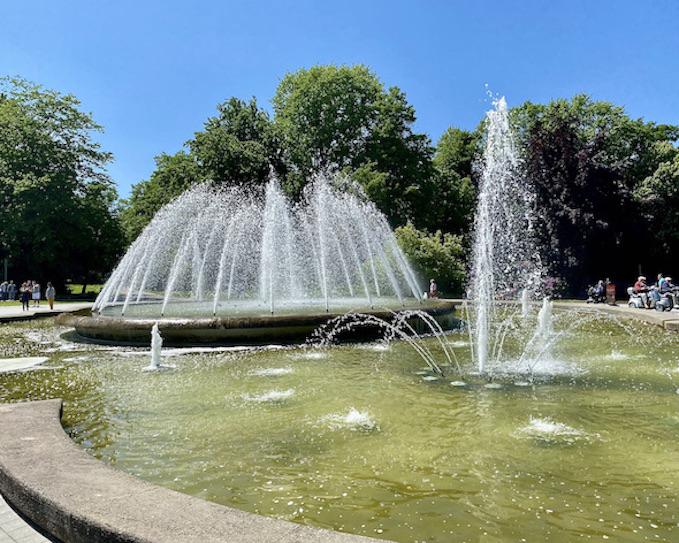 Bad Oeynhausen Fontäne im Kurpark Jordansprudel Wasserspiele in Bad Oeynhausen