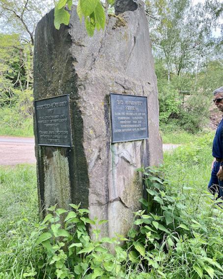 Dreiländereck Bad Karlshafen historischer Geländepunkt mit Grenzstein