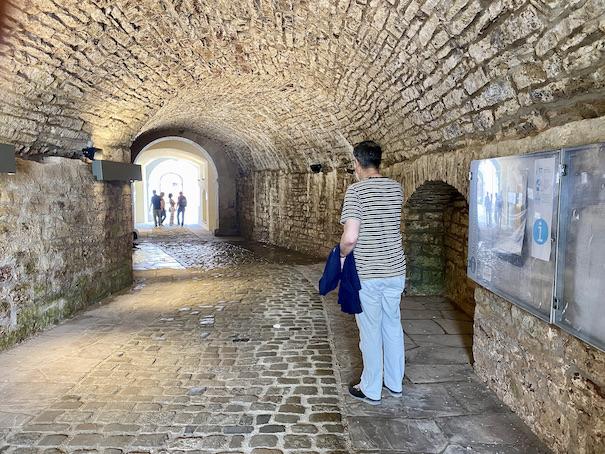 Bad Pyrmont Zugang zum Insel-Schloss-Pyrmont unter den Wallanlagen