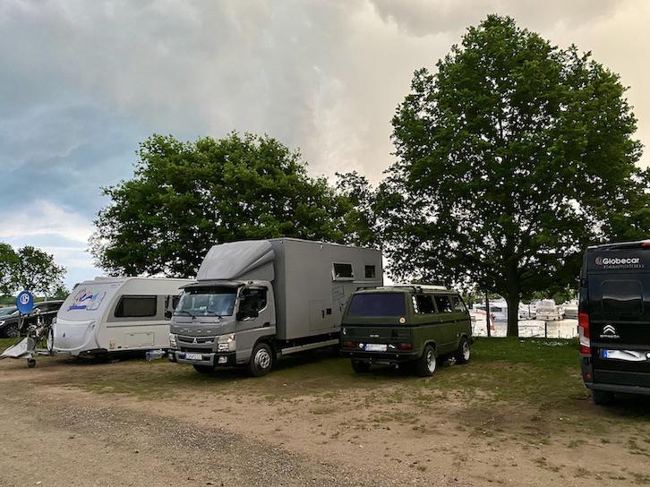Bootshafen Wohnmobil-Stellplatz an der Marina Mehldorf direkt am Hafenbecken