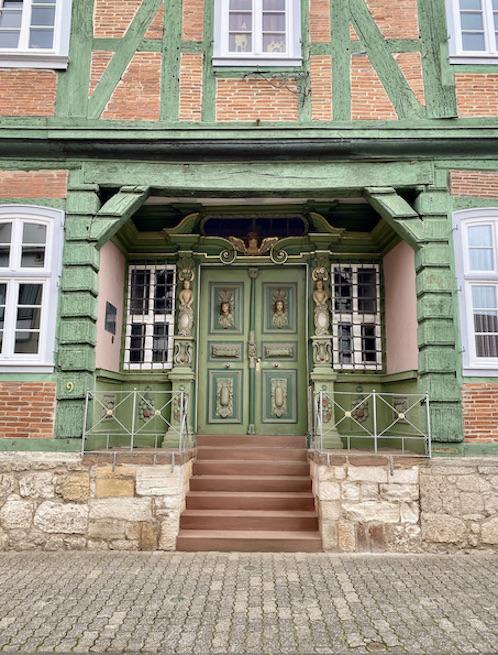 Korbach Hartwigsches Haus Fachwerkhaus mit Barockportal Historische Altstadt