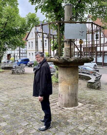 Korbach Pranger mit Halseisen Historische Altstadt Korbach Jüngste Hansestadt Deutschlands in Hessen
