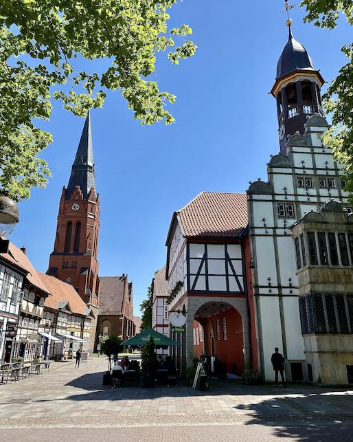 Nienburg Spargelstadt an der Weser Sehenswürdigkeiten Historische Altstadt Rathaus und St.Martin Kirche