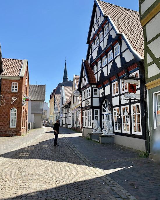Nienburg Spargelstadt an der Weser Sehenswürdigkeiten Historische Altstadt Wirtshaus zum schwarzen Keiler