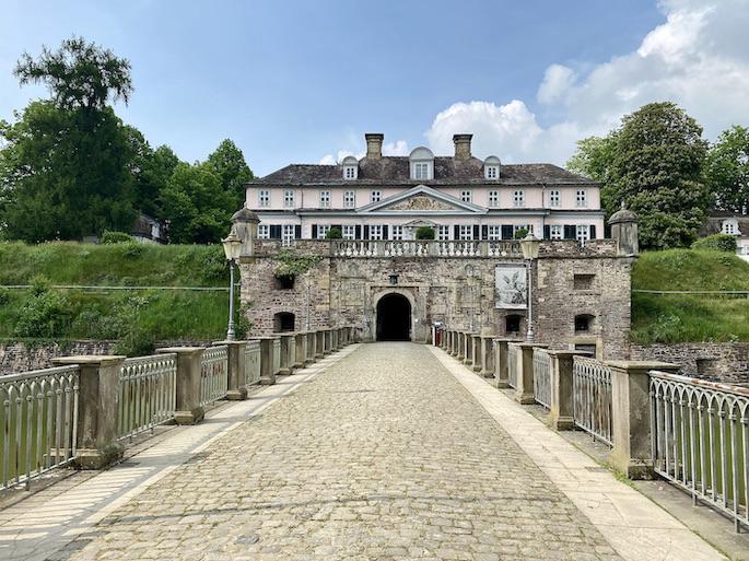 Schloss Bad Pyrmont Eingang zur Festung Zugang zum Insel-Schloss-Pyrmont Kurpark Staatsbad