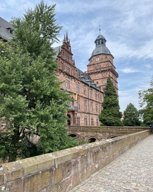 Aschaffenburg Schloss-Johannisburg Deutsche-Renaissance Schlossanlage Eingang