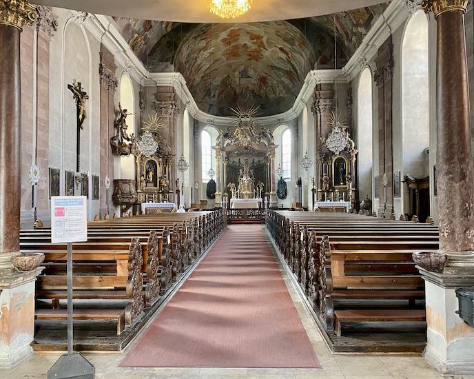 Aschaffenburg Zu unserer lieben Frau Barockfassade Kath.Kirche Muttergottespfarrkirche Innenraum