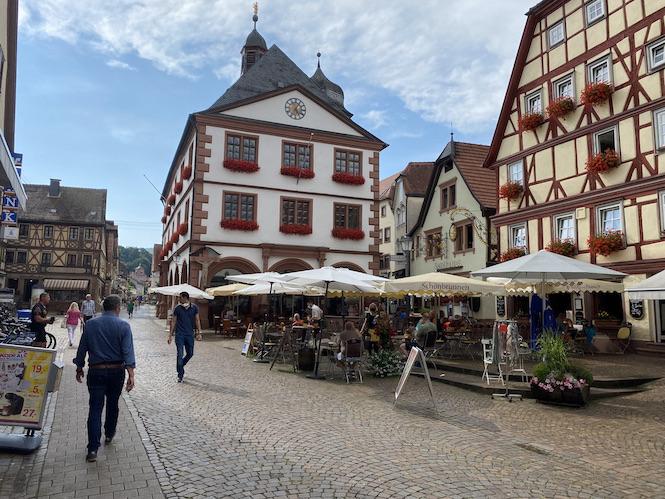Lohr am Main Historische Altstadt Schneewittchenstadt Sehenswürdigkeiten Rathaus Weinhaus Mehling