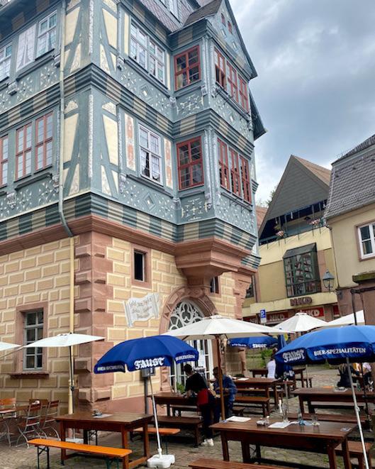 Miltenberg am Main Zum-Riesen Gasthaus Ältestes Gasthaus Deutschland historische Altstadt Sehenswürdigkeiten