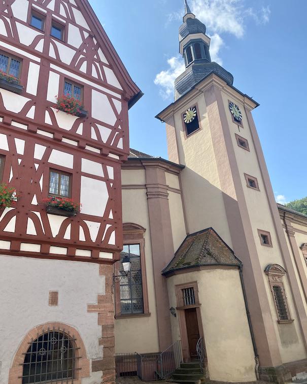Stadt Freudenberg am Main Alte Pfarrkirche St.Laurentius und Rathaus