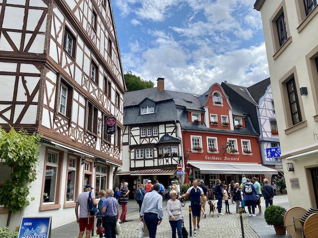 Bernkastel-Kues Historische Altstadt Sehenswürdigkeiten Fachwerkhäuser