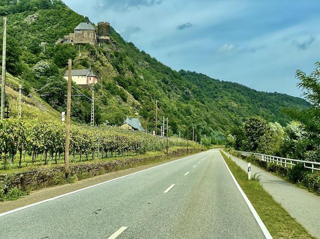 Burg Bischofstein und Pauluskapelle Münstermaifeld-Lasserg