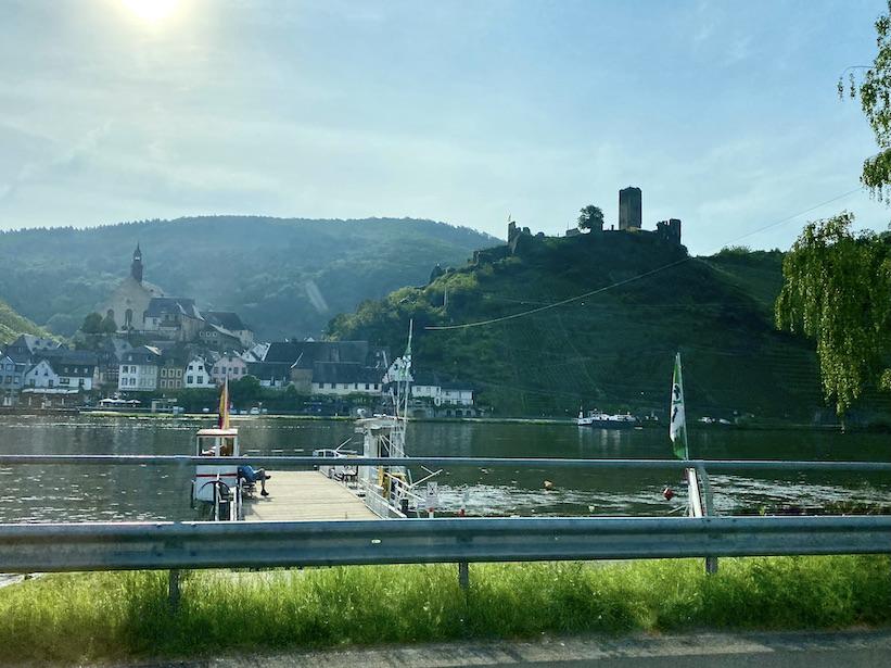 Burg Metternich Beilstein an der Mosel Burgruine einer Spornburg
