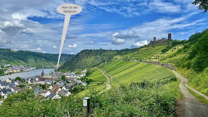 Burg Thurant bei Alken an der Mosel Burg Thurant Stadt Alken Rheinland-Pfalz Deutschland Blick zurück