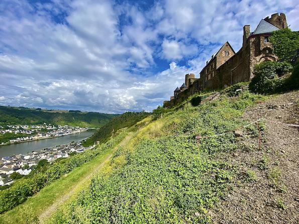 Burg Thurant bei Alken an der Mosel Burg Thurant gleich da Stadt Alken Rheinland-Pfalz Deutschland