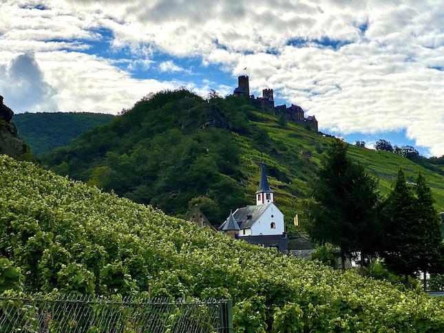 Burg Thurant bei Alken an der Mosel St.Michaelskirche Burg Thurant Stadt Alken Rheinland-Pfalz Deutschland