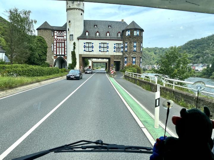 Oberburg Gondorf Schloss zur Leyen Wasserschloss Landesarchiv Kobern-Gondorf Rheinland-Pfalz
