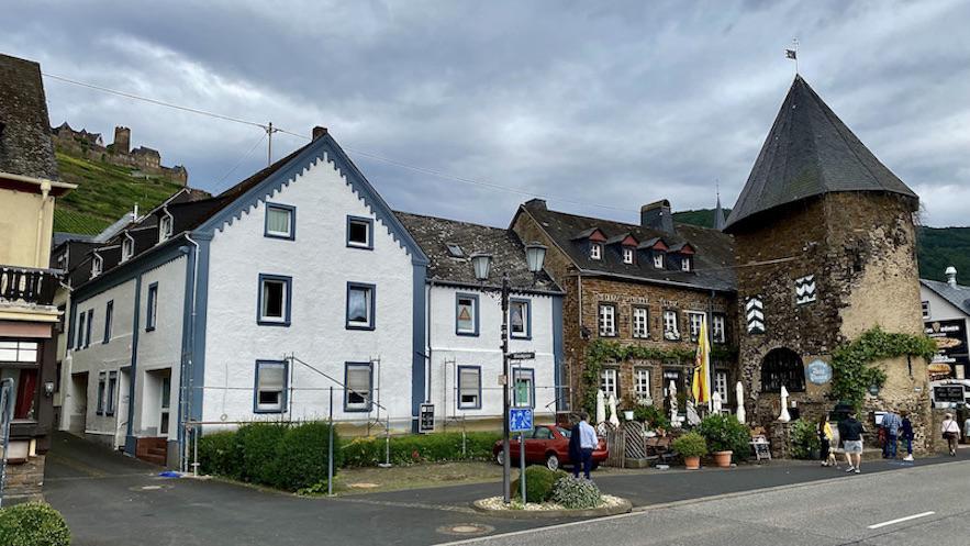 Stadt Alken Mosel Altstadt Wehrturm Stadtmauer Rheinland-Pfalz Deutschland