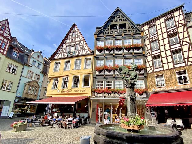 Stadt Cochem an der Mosel Martinsbrunnen Am Markt Altstadt Innenstadt
