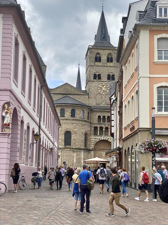 Trier Sternstraße Blick zum Dom St.Peter zu Trier