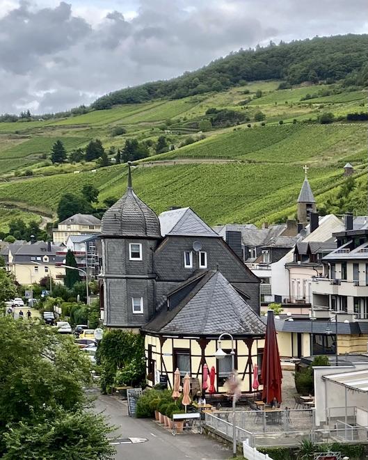 Zell an der Mosel Alter Bahnhof heute Winzerschänke Weingut Lehmen