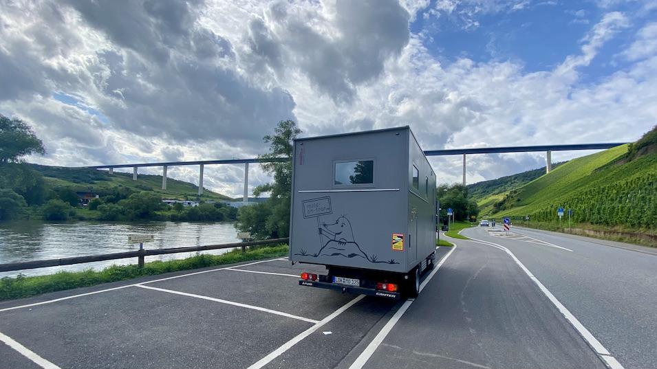 mole-on-tour unter der Hochmoselbrücke B 50 bei Zeltingen-Rachtig Rheinland-Pfalz
